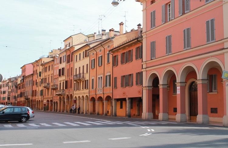 Красивые дома в Болонье