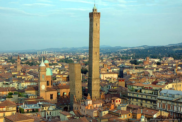 Две Башни Болоньи