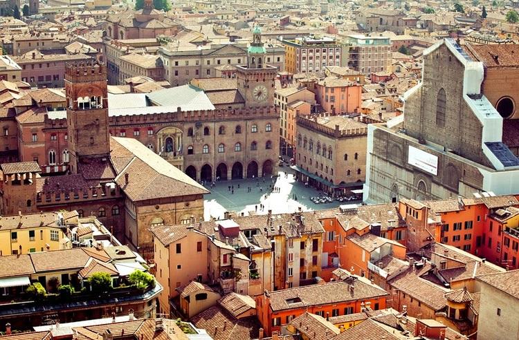 Болонья - вид города сверху