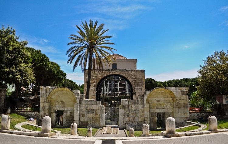 Базилика Сан-Сатурнино