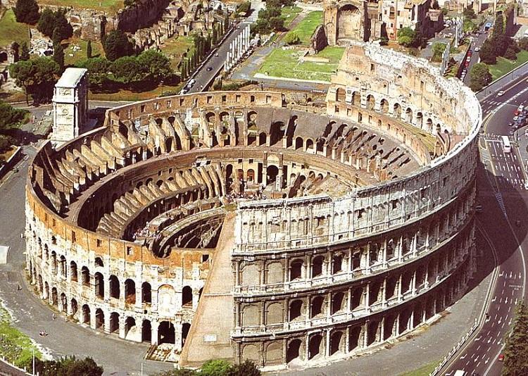 Древний памятник архитектуры Рима