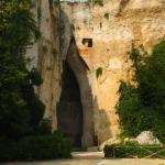 Ухо Дионисия - одна из известных достопримечательностей в Сиракузах