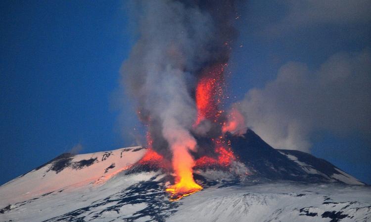 Действующий сицилийский вулкан Этна