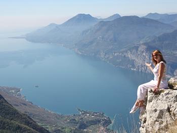 Фото озера Гарда с высоты