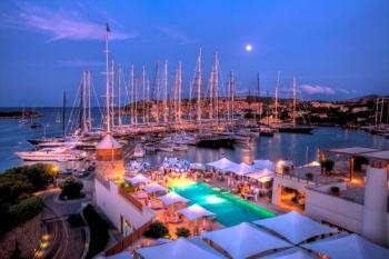 На Сардинии стоит взглянуть на яхты в Порто Черво