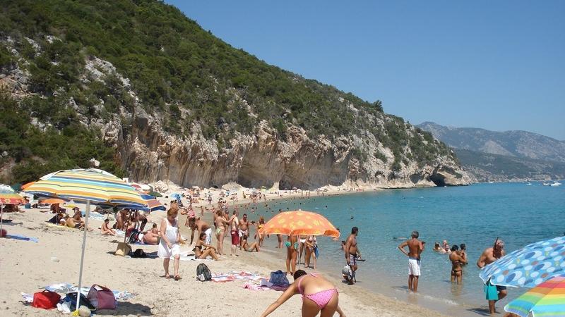 Пляж Кала-Луна на острове Сардиния