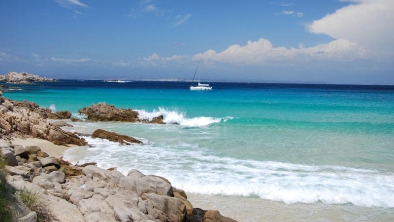 Пляж Спьяджа-Делль-Принчипе в Коста Смеральда