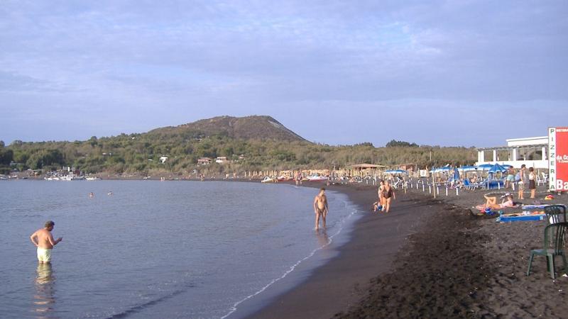 Пляж Спьяджиа-Саббие-Нере в Сицилии
