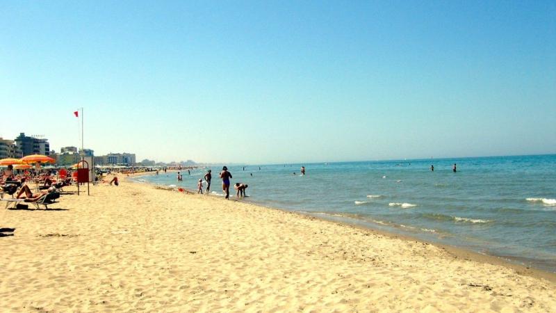 Пляж на море в Риччоне