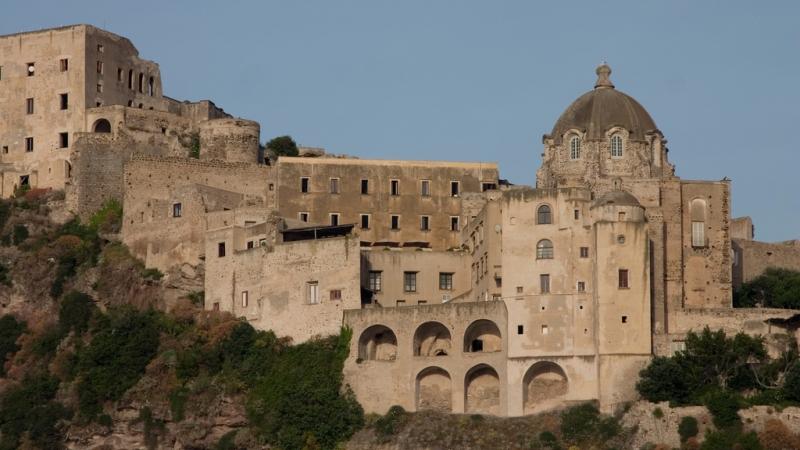 Замок Арагона - одна из основных достопримечательностей Искьи