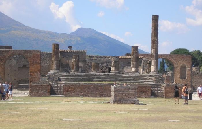 Храм Юпитера в Помпеях