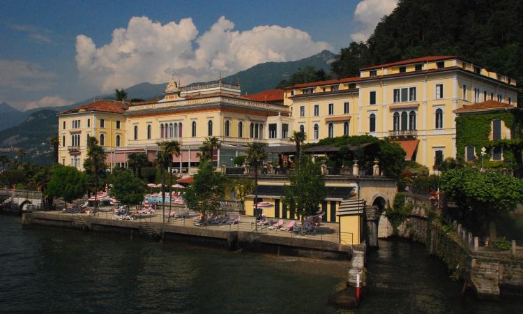 Вилла Сербеллони в городе Белладжио у озера Комо