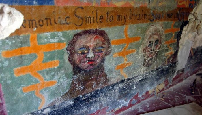 Фото рисунков на стенах аббатства Телема в Чефалу