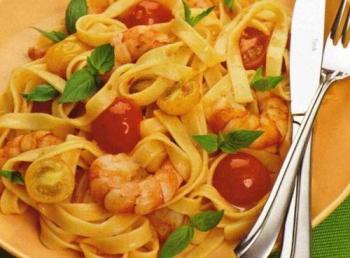Рецепт пасты с морепродуктами и помидорами в сливочном соусе