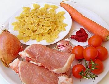 Выбор ингредиентов для соуса больньезе
