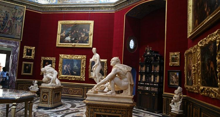 Галереяя Уффици и шедевры искусства внутри нее
