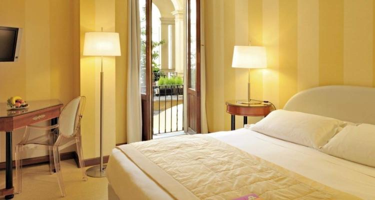 Обстановка номера отеля Starhotels Rosa Grand