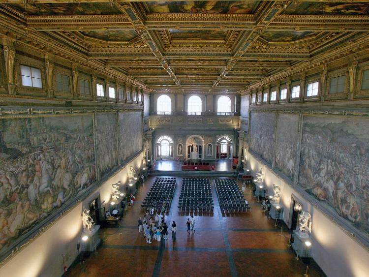 Зал пятисот в Плаццо Веккьо, фото сверху