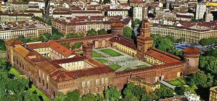 Замок Сфорца в Милане и его вид сверху