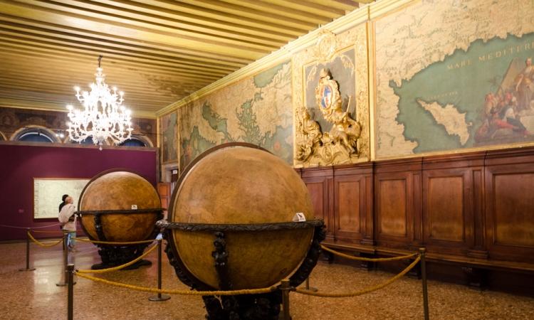 Знаменитый Зал карт во Дворце дожей