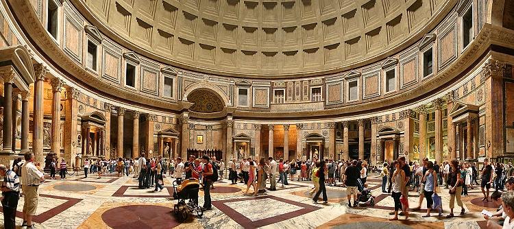 Внутренний зал Пантеона в Риме