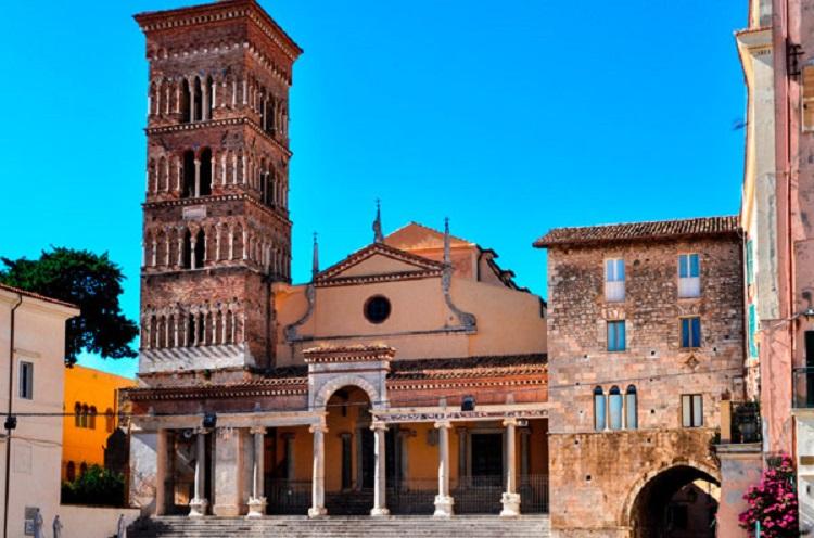 Город Террачина в Италии - чем примечателен курорт на берегу Тирренского моря