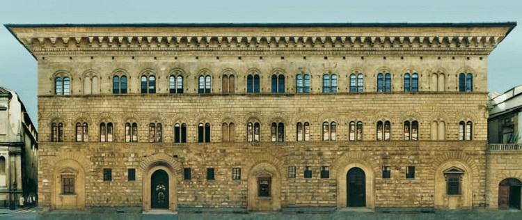 Как происходило строительство дворкца палаццо Медичи-Риккарди