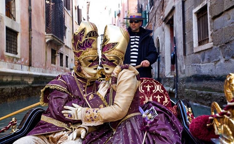 Карнавал в Венеции - как проводит празник итальянский народ