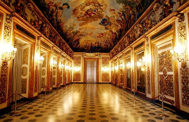 Дворец Палаццо Питти во Флоренции и галерея современного искусства