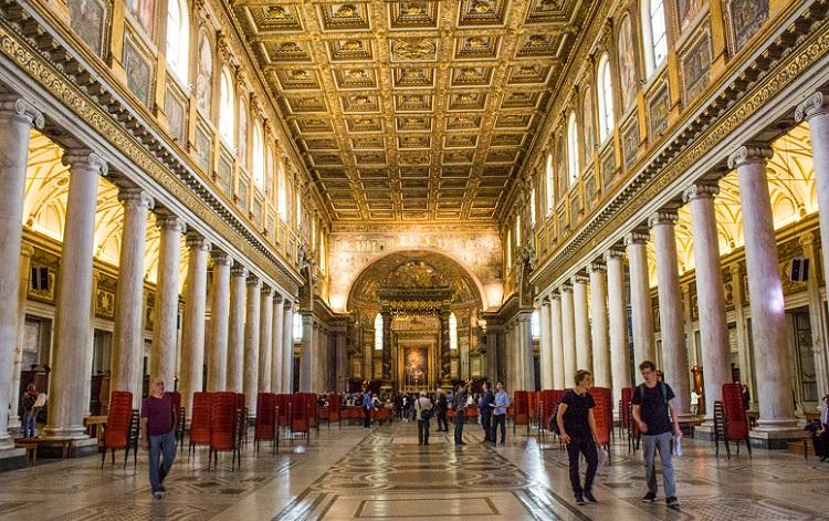 Отделка в знаменитом соборе Рима - Санта-Мария-Маджоре