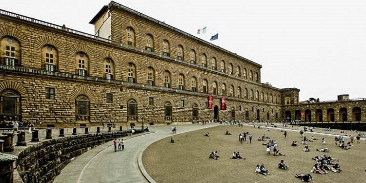 Палаццо Питти - главная достопримечательность Флоренции