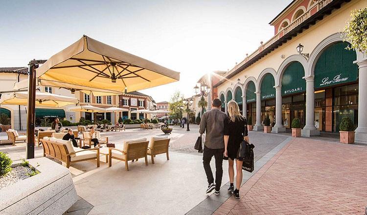 Время работы аутлета Serravalle Outlet - самого популярного в Милане