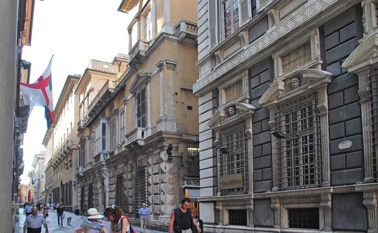 В каком году была основана улица Виа Гарибальди в итальянском городе Генуя