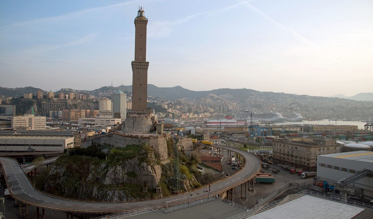 Где находится маяк Ла Лантерна и несколько интересных фактов о нем