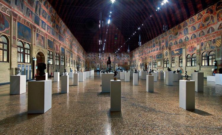 История строительства достопримечательности Падуи - Палаццо Делла Раджоне