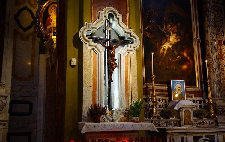 Собор Сан Лоренцо в Генуе - что можно увидеть в стенах древнего сооружения