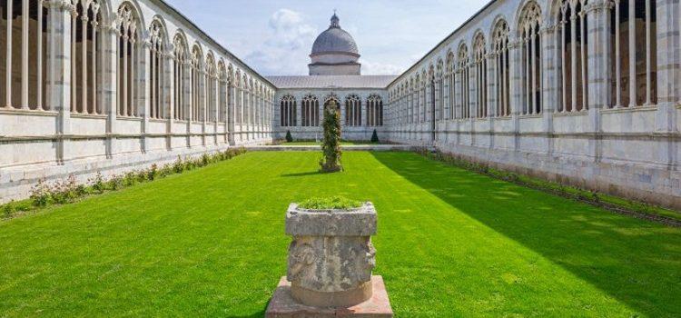 Кладбище Кампо Санто в Пизе - одна из достопримечательностей города