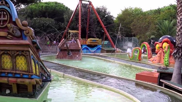 Аттракционы в парке развлечений Фиабиландия в Римини