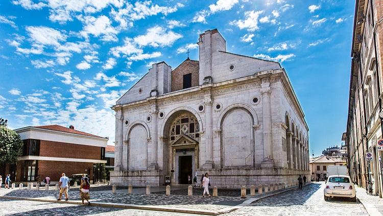 Храм малатеста в Римини — история строительства сооружения