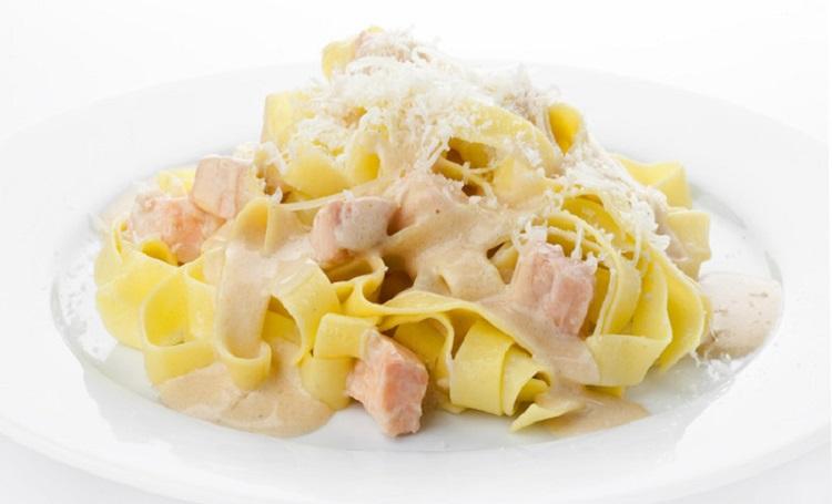 Как готовить фетучини с семгой - рецепт итальянского блюда