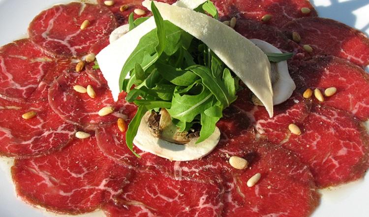 Как готовят карпаччо из говядины с рукколой - пошаговый рецепт