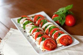 Как правильно приготовить салат капрезе - пошаговый рецепт