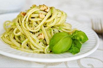 Как приготовить спагетти с соусом песто - несколько рекомендаций