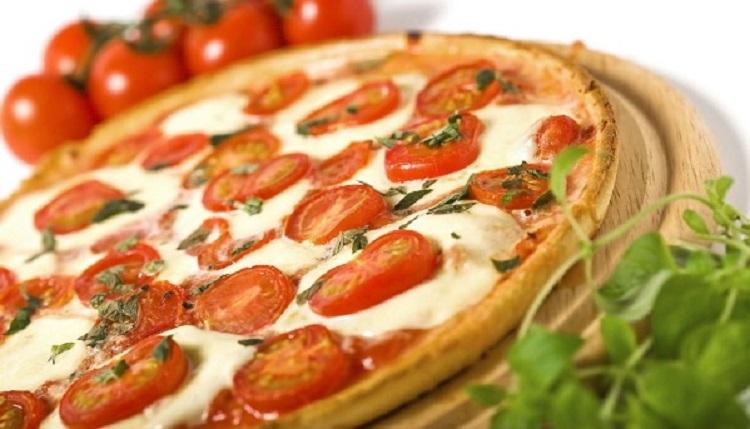 Капрезе-пицца - как приготовить необычную итальянскую закуску