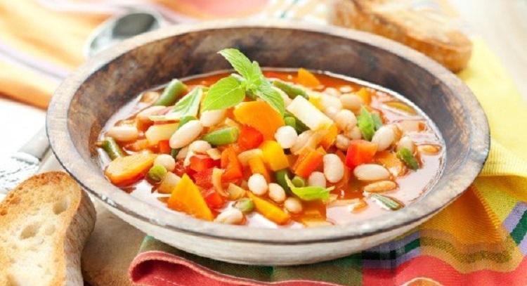 Овощной минестроне с белой фасолью - рецепт приготовления итальянского блюда
