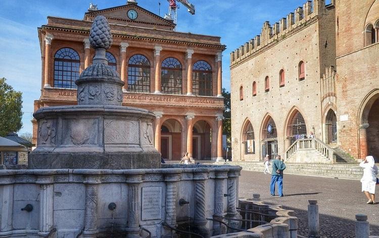 Площадь Кавур в Римини - история возникновения достопримечательности