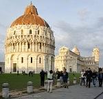 Площадь чудес в Пизе и ее знаменитая падающая башня