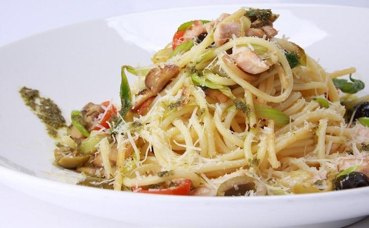 Рецепт приготовления спагетти с соусом песто и курицей - пошаговая инструкция