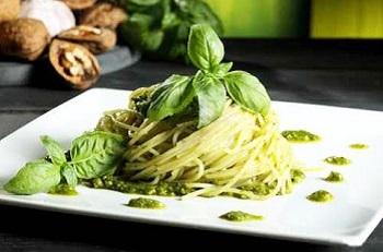 С чем подавать соус песто - знаменитое итальянское блюдо