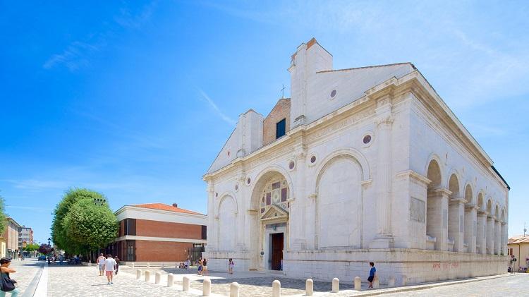 Темпио Малатестиано в Римини - кто построил величественный храм